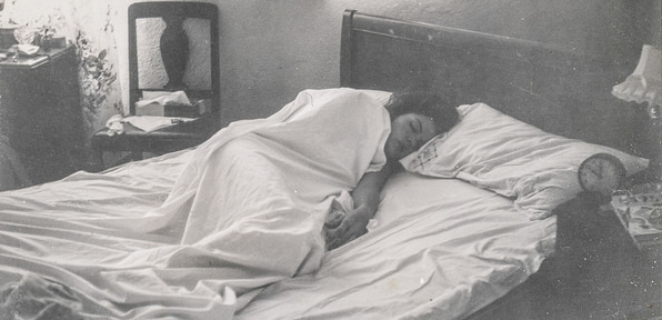 depression woman in bed
